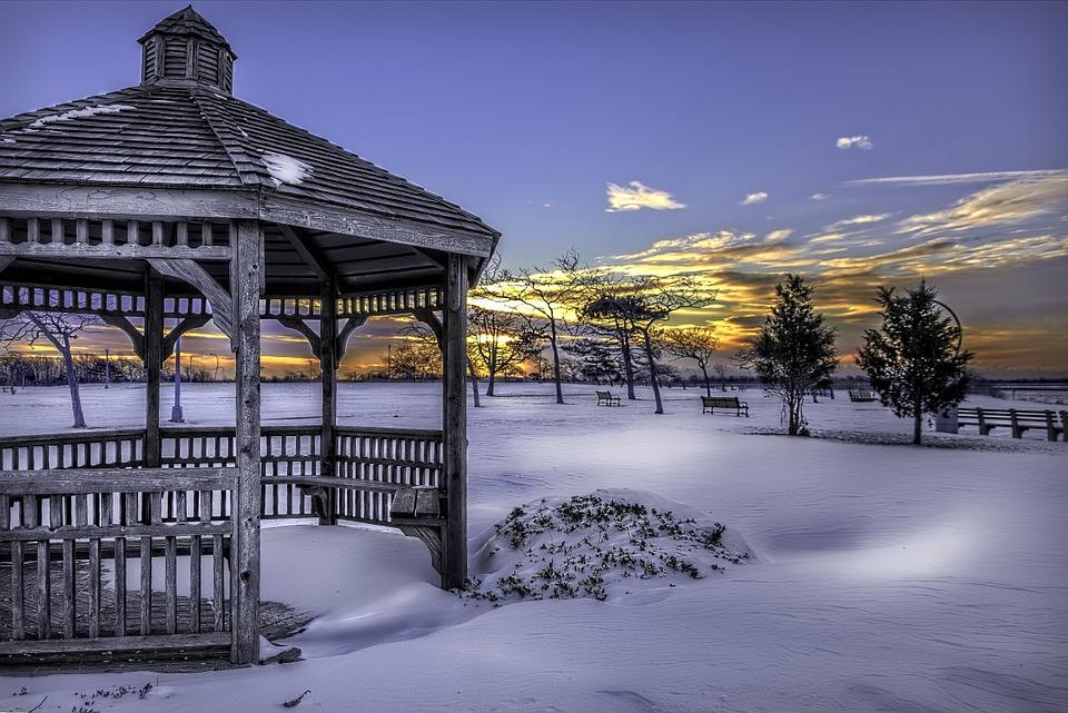 altán v zimě