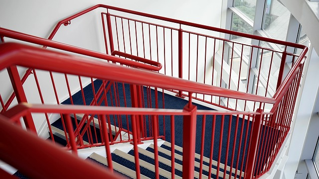 schodiště v barvách