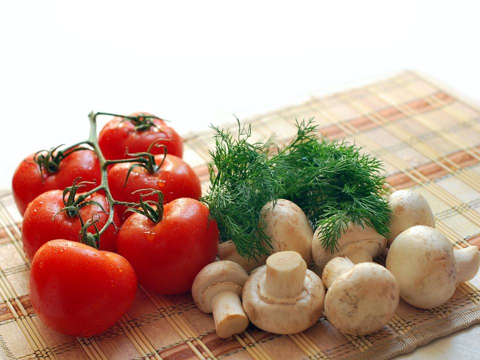 rajčata a žampiony